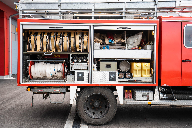 Löschgruppenfahrzeug LF 16 TS – Rechts