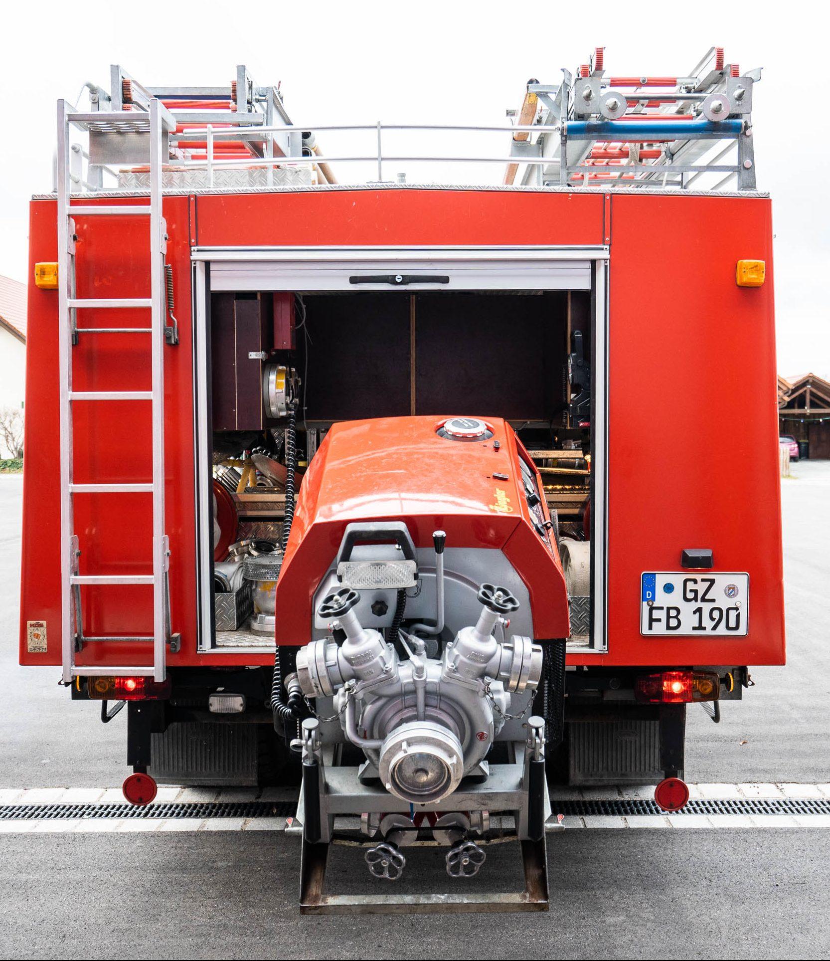 Löschgruppenfahrzeug LF 16 TS – Hinten